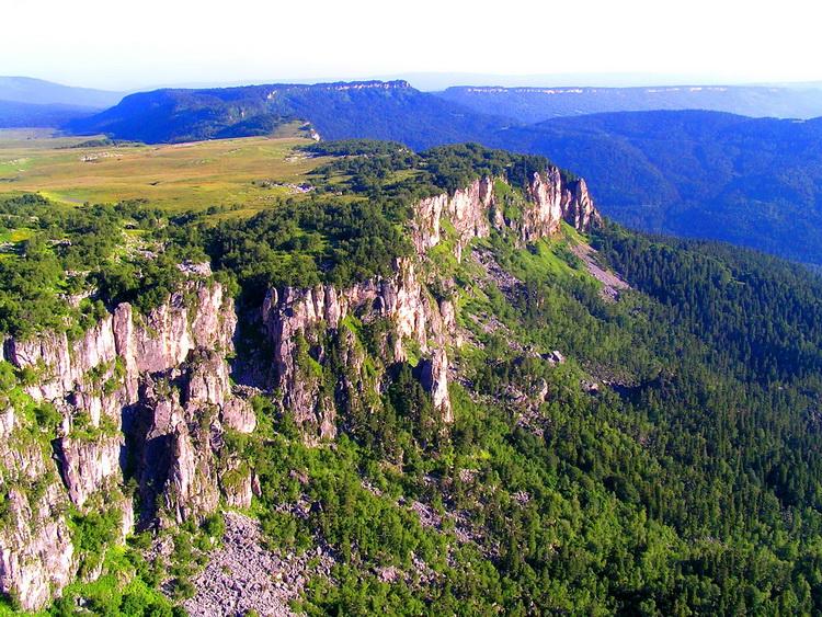 Горный хребет на юге России Каменное море, фото от СВ-Астур. горный хребет