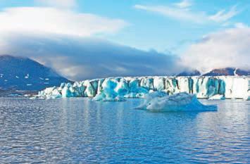 Новая Земля. У ледяного барьера ледника Шумного