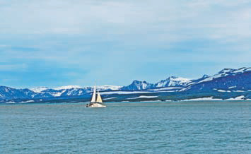 Новая Земля. Пейзажи Северного острова и наш катамаран в губе Южная Сульменева