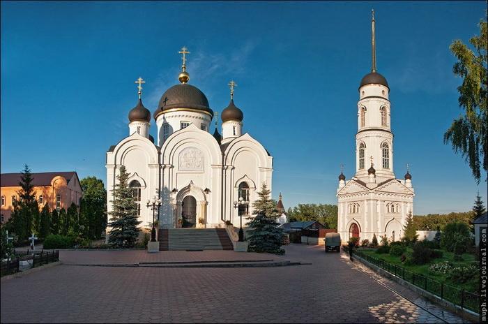 Монастыри Задонска