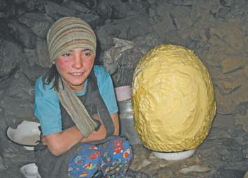 Таджикистан. Это масло! Его делают пастухи на озере Учкуль
