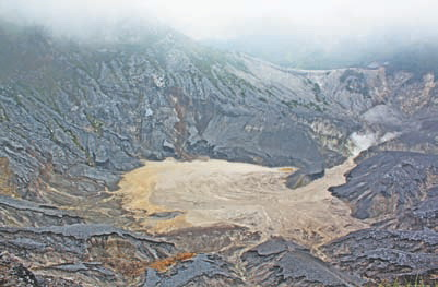 Индонезия. Кратер вулкана Тангкубан Пераху (остров Ява, Индонезия)