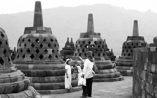 Индонезия, о. Ява. В древнем индуистском храме Борободур
