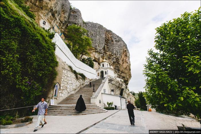 Чуфет-Кале пещерный город Крым