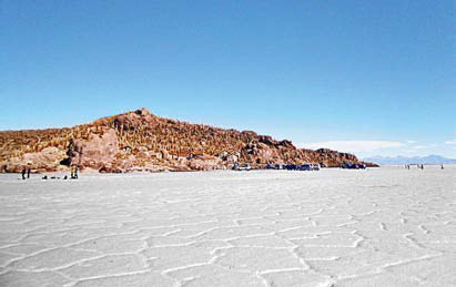Остров Инхахуази в центре солончака Уюни