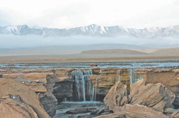 Куньлунь Тибет. Водопады на реке Улугхэ