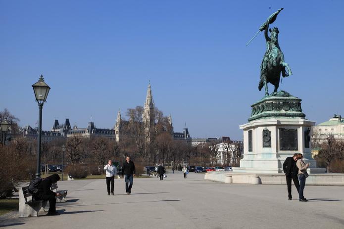 Вена, памятник императору в Вене - фото города Вена от СВ-Астур