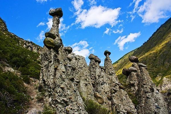Каменные грибы на Алтае