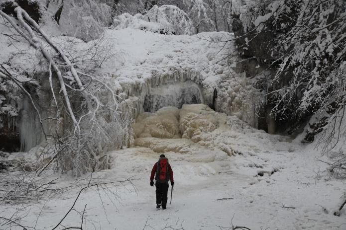 Зима в Адыгее фото от СВ-Астур. Зимняя Адыгея ущелье Руфабго зимой в горах Адыгеи - фотография