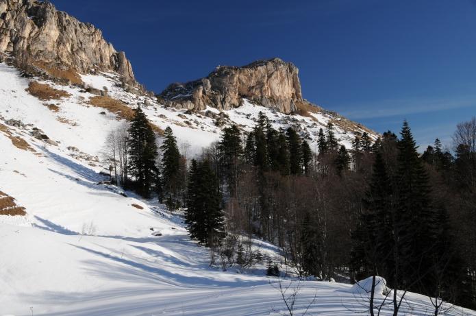 Зимняя природа фото от СВ-Астур. Зимняя картинка природы в горах - фотография