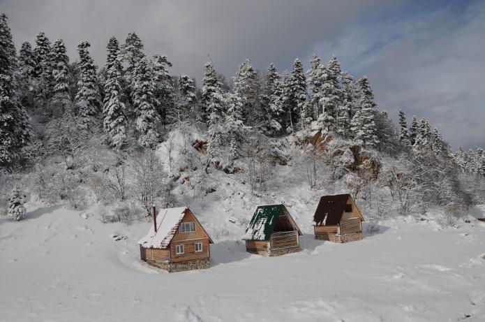 Красивые фото зимы фото от СВ-Астур. Зима фото красивого пейзажа с домиками на природе